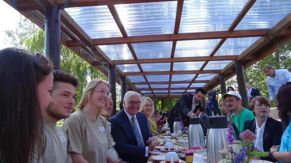 Auf dem Floß 940x529 Bundespräsident besucht Naturpark