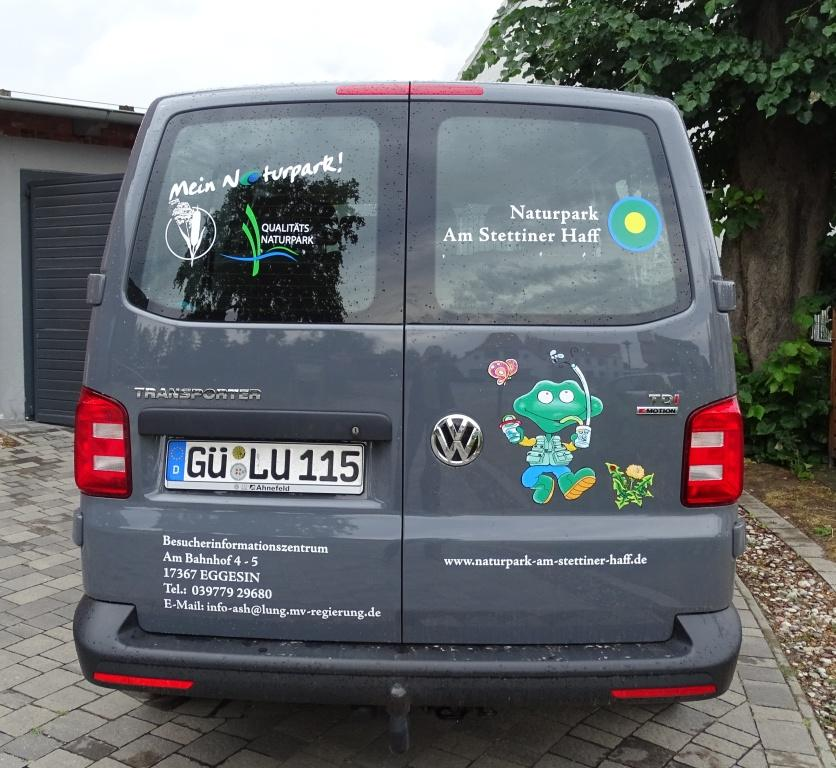 Bus 4 Prominente Unterstützung des Naturpark Teams   Lasse fährt mit