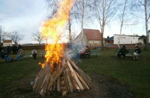 Januarfeuer der Wanderfreunde 2013 in Lickow (Foto: W. Zimmermann)