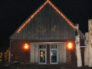 weihnachtlich geschmückte Blaubeerscheune Eggesin (Foto: Naturpark-Förderverein)