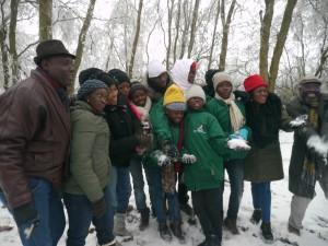 Gruppe im Schnee - Bild Joachim Schneider