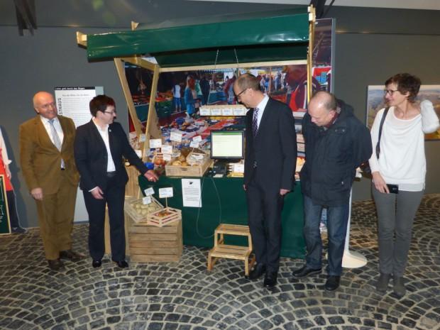 Marktstand HLR 620x465 Neue Dauerausstellung im Haus der Langen Rhön