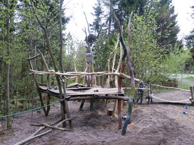SMPlattformklein Spielplatz am Schwarzen Moor wurde neu überarbeitet