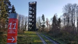"""Der Aussichtsturm auf dem """"Knollen"""" in Bergneustadt. (Bildquelle: Naturpark Bergisches Land)"""