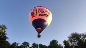Der Ballon kurz nach dem Start (Foto: Andreas Kurze)