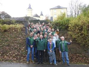 Die Naturparkführenden mit Zweckverbandsvorsteher Jochen Hagt (Bild: Naturpark Bergisches Land)