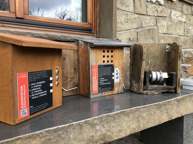 Pressefoto alte und neue Audiostationen 620x465 Audiostationen im Bergischen Wanderland neu entwickelt