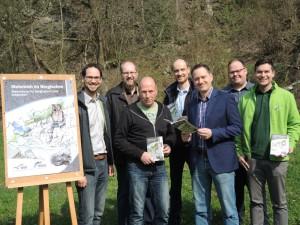 Präsentation der neuen Broschüre (Bild: Biologische Station RBK)