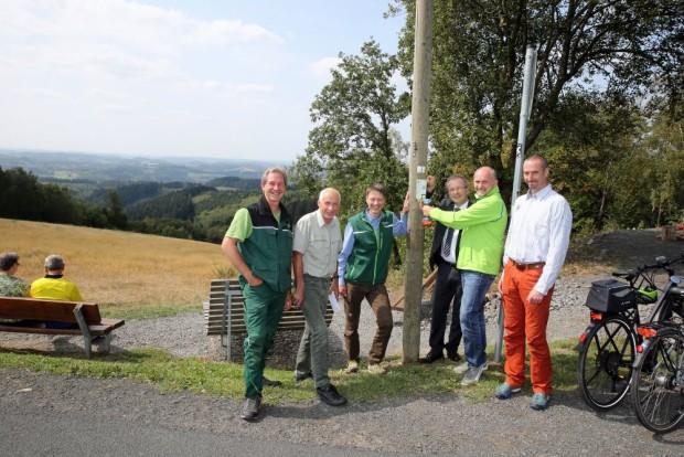 wandern 002 620x414 Pilotprojekt Wandercent – Charityaktion für zusätzliche Qualität auf Bergischen Wanderwegen
