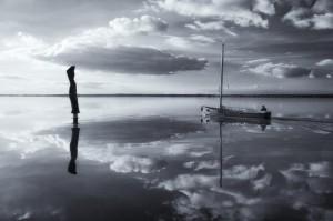 Klicken Sie auf das Bild des Tages im Fotoportal: Der Fischer und das Meer –© VDNOpa - Steinhuder Meer