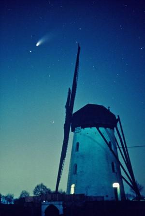 Stammenmühle Hinsbeck mit Komet Hale-Bopp-© VDNWerner Buschfeld- Schwalm-Nette