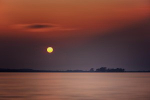 Klicken Sie auf das Bild des Tages im Fotoportal: The Painless State #2 – © VDNVolker Birke - Steinhuder Meer