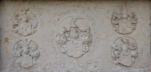 Historische Grabplatte  Gräbendorf Sonnenberg 620x296 Tag des offenen Denkmals am 10. September in Gräbendorf