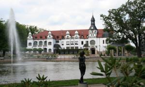 Blick auf die Kurpromenade von Bad Schmiedeberg