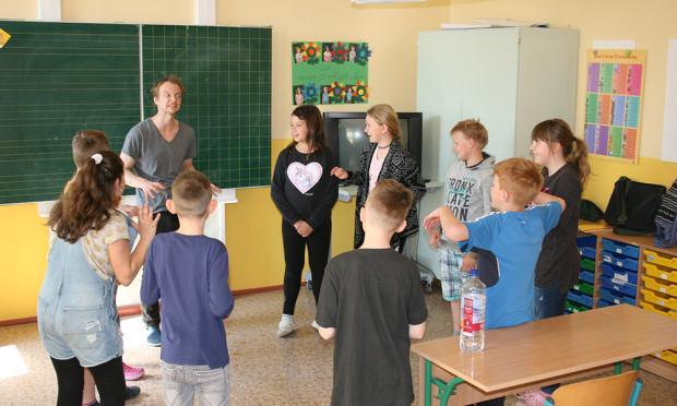 Geschichten von Wölfen VDH 500 300 620x372 Anders lernen lernen: Theater AG Wölfe in der Grundschule Rösa