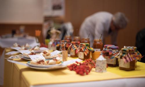 Verkostung Vogelbeer Relish 2020 500 Regional und lecker: Die Vogelbeere auf dem Frühstücksbrötchen