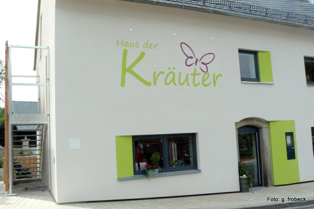 10 kräuterhaus fest froheu 07 2014 331 620x414 Fr, 07.04, 19 Uhr: Bärlauch & Co – frische Energie für Körper und Geist