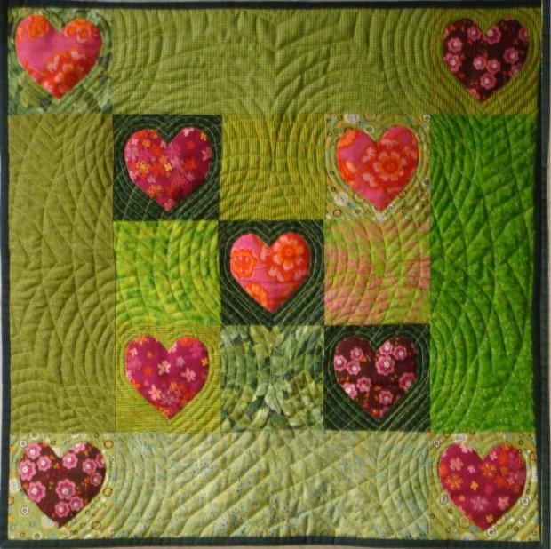 Handapplikation Eine Herzenssache fertig klein 620x618 Patchwork – Handapplikationen