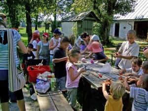 Kinder klangwerkstatt Natur 2009 NPF s bayerl 300x225 Sa, 05.05., 15   17 Uhr: Spinn  und Web Märchen