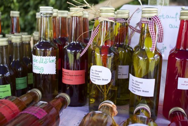 Kräuteröl 21 620x414 18.07.2015: Flüssiges aus der Kräuterküche (Pflanze des Monats)