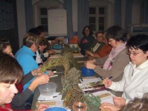 Kräuter Seminar Nagel CIMG4500 300x225 Sa, 19.05., 18   20 Uhr: Blütenkräuterwanderung