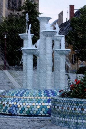 Porzellan Brunnen Selb LRA foto 2010 300x449 Sa, 13.10., 14   16 Uhr: Tag der Steine in der Stadt: Selb – Vom Weberstädtchen zur Porzellanmetropole