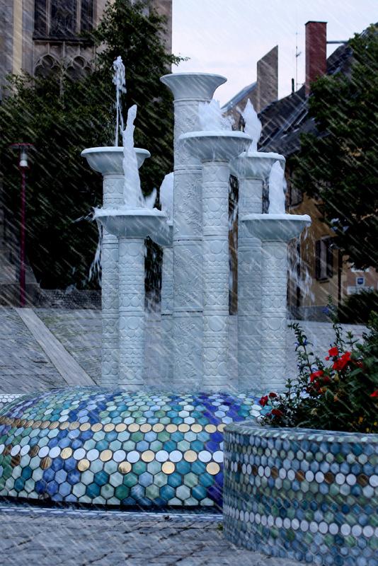 Porzellan Brunnen Selb LRA foto 2010 Sa, 14.10., 14 16 Uhr: Steine in der Stadt
