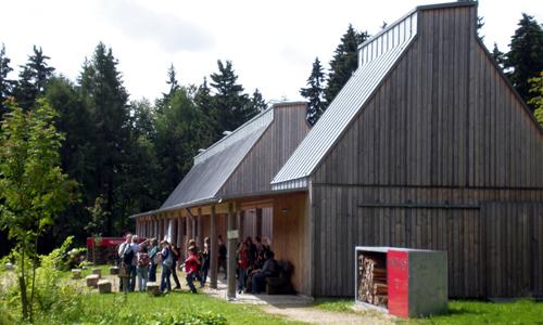 Wilder genuss im wildpark waldhaus mehlmeisel naturpark for Modernes waldhaus