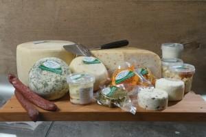 Schafmilchkäserei JAARE - ein breites Sortiment neben dem Käsetaler.