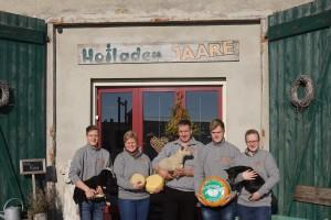 Anett de Vries und ihre Familie. Der Firmenname JAARE setzt sich aus den Vornamen der Familie zusammen: Joris, Arnold, Anett, Rik und Esther.