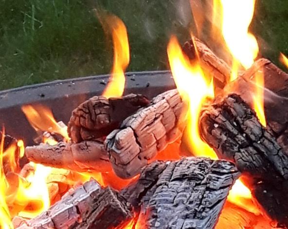 Feuerschale k c Claudia Krabbes Loipenpavillon zu Silvester geöffnet