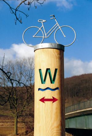 Radwegepylon Werratal-Radweg (C) Geo-Naturpark Frau-Holle-Land