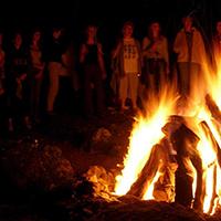 Naturpark Habichtswald 2015 Pixabay Lagerfeuer Märchenhafter Feuerabend