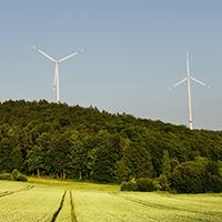 Naturpark Habichtswald_2019_pixabay_Windkraft im Wald