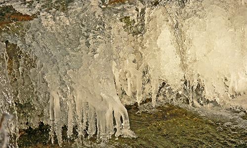 Naturpark Habichtswald Karner Eis2 Das Element Wasser im Winter