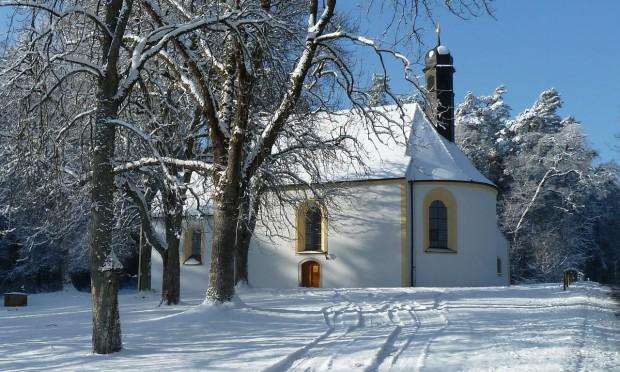 Eggenbergkirche c Naturpark Hirschwald 620x372 Wintermärchenwanderung