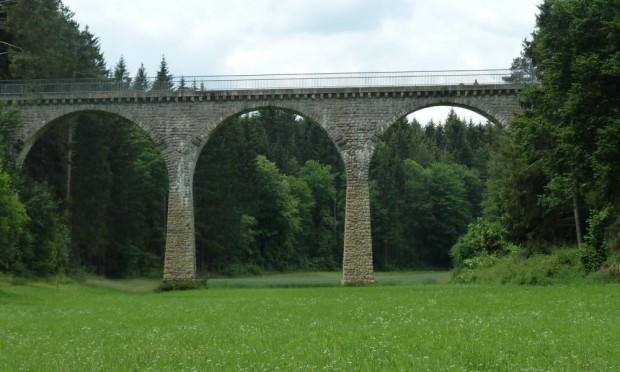 Hoibruck c Naturpark Hirschwald 620x372 Rundwanderung zum Naturparktag