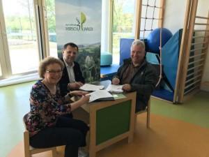 K800_Unterzeichung Koop-Vereinbarung NPHW SieKids (c) Isabel Lautenschlager