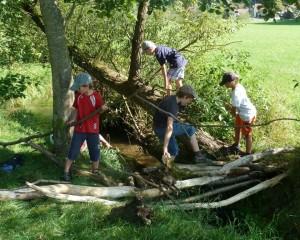 Kinder_in_der_Natur__c__Naturpark_Hirschwald