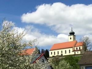 Kirche_Utzenhofen__c__Naturpark_Hirschwald