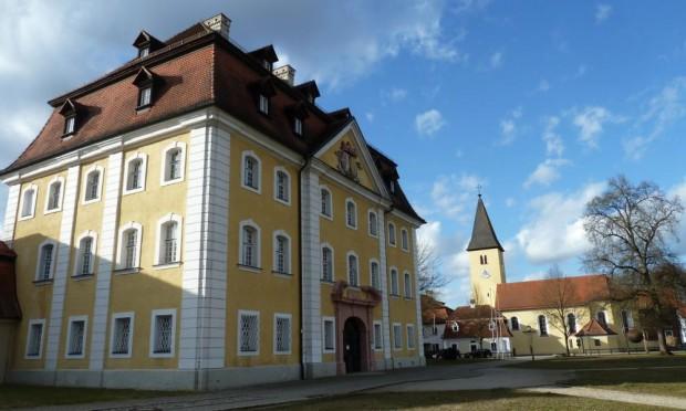 Museum Schloss TheuerncNaturpark Hirschwald 620x372 Das Kriegsgefangenenlager Amberg Kümmersbruck im 1. Weltkrieg