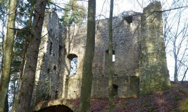 Ruine Roßstein c Naturpark Hirschwald 620x371 Allerheiligen Wanderung zur Ruine Roßstein