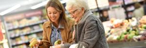 Senioren beim Einkaufen (c) Seniorenmosaik