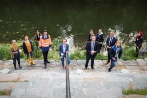 Einweihung des Blauen Klassenzimmers an der Stever in Haltern am See; mit Ministerin Ina Scharrenbach, Bürgermeister Bodo Klimpel sowie Uli Paetzel und Emanuel Grün (Lippeverband)