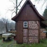Sitzgelegenheid an der Tüshausmühle -- 1