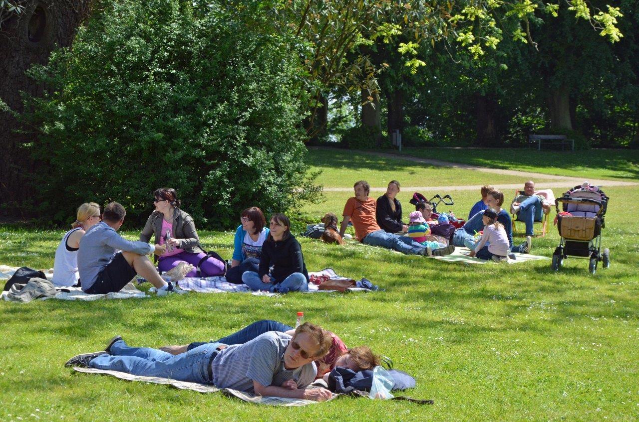 Foto Dirk Schneider Picknick im Schlossgarten