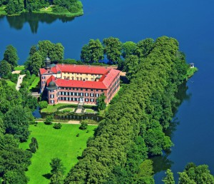Schloss Eutin Foto C.KlüverTI Eutin 300x258 Samstag, 30. August: Der Eutiner Schlossgarten   ein Gartendenkmal