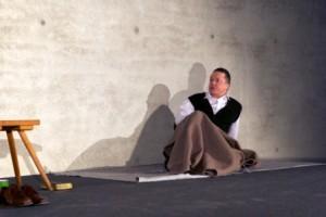 c 2013 Moltke Im Land der Gottlosen 2 300x200 Theaterzeit in Haiger