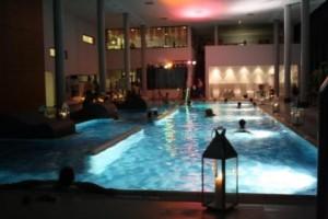 c Bad Endbach Schwimmen bei Kerzenschein 300x200 Chill Out   Schwimmen bei Kerzenschein