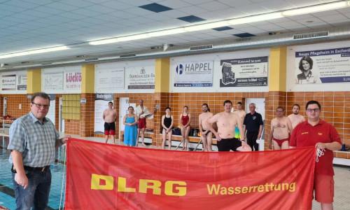 """c DLRGFreizeitbad1 Freizeitbad """"Panoramablick"""" ist startklar DLRG bildet 12 Rettungsschwimmer aus"""